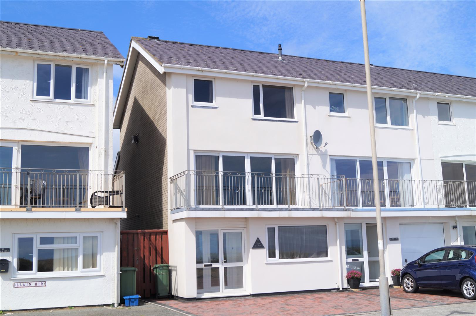 Victoria Parade, Pwllheli - £269,000/Realistic offers considered